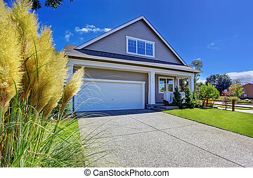 House with beautiful curb appeal Washington real estate -...