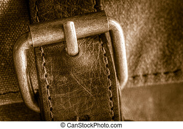 Buckle - A vintage metal bag buckle