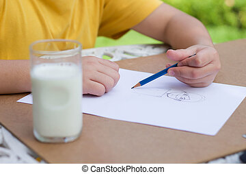 Children is drawing