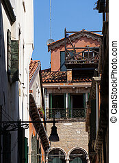 Foreshortening of the streets in Venice