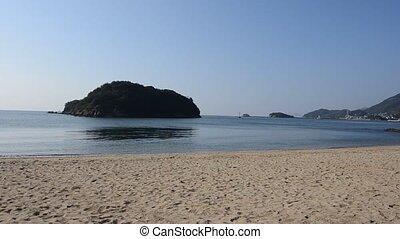 Uninhabited island visible from Sensuijima. (in Fukuyama...