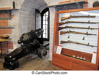 Kingston Murney Tower gun 2008 - Historic weapon in the...
