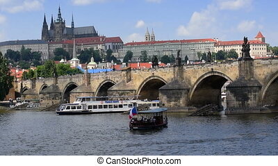 boat traffic charles bridge prague - Boat traffic in front...