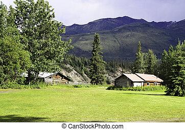 Wiseman village Alaska - A view of the village of Wiseman in...