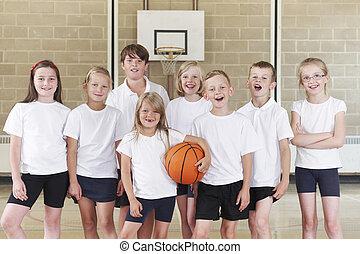 alumnos, en, elemental, escuela, baloncesto, equipo