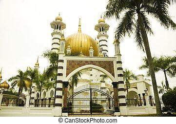 Ubudiah Mosque - The Ubudiah Mosque, Kuala Kangsar, Malaysia...