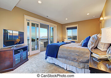 Master bedroom with walkout deck