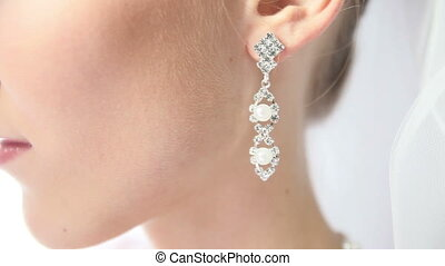 bride earring with pearls - earring with pearls in silver...