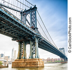 View of Manhattan Bridge on a overcast spring day - New York...