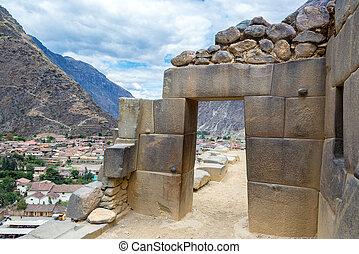 Inca Doorway - Stone Inca doorway in the ruins of...