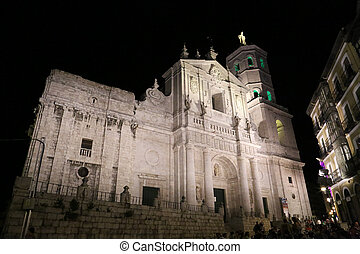 Valladolid - 02 - The illuminated Diocese church of...