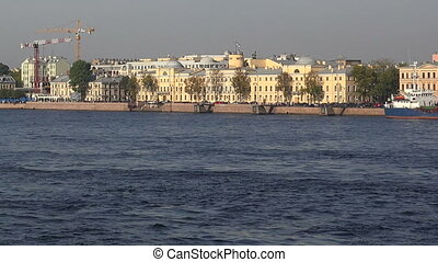 Lieutenant Schmidt Embankment in St. Petersburg. Real time.