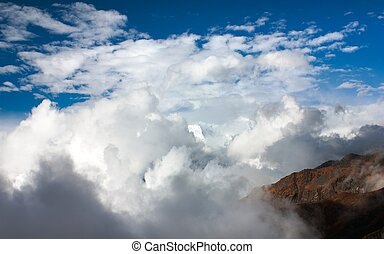 beautiful cloud on mountains