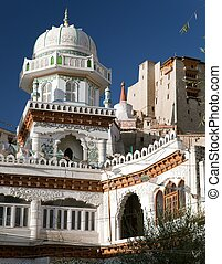 Jama Masjid and Leh Palace with stupa on the background -...