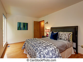 Light ivory bedroom with beautiful bed - Bedroom furniture...