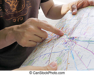 tourist pointing map, getting lost, finding way