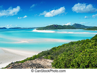 Whitehaven beach in the Whitsunday archipelago, Australia.