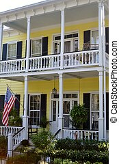 Old Southern Historic House - Yellow house in historic...