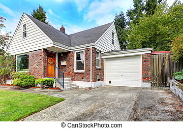 Cute house with brick trim - Cozy house with brick trim...