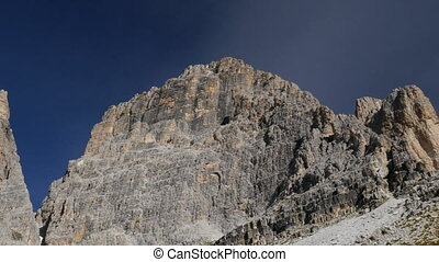 tre cime de lavaredo 11502 - A pan at 2400m along the three...