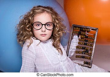 niña, colegiala, con, de madera, abacus.,