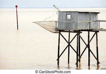 fisher cabin on water - wooden fisher cabin on gironde...