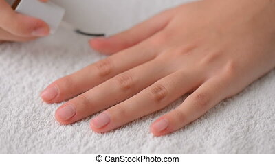 Painting hand nails