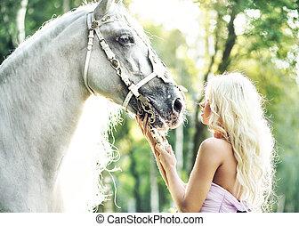fabuloso, mujer, con, brillante, caballo,