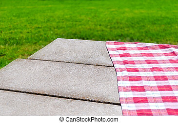 Picnic tablecloth on the table - Picnic tablecloth textile...