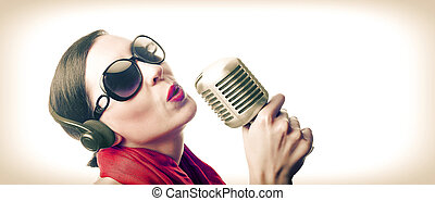 Singer with microphone - Singer with old microphone in black...