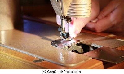 sewing machine large needle that sews