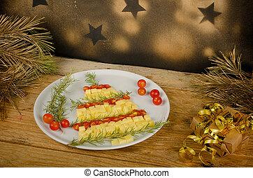 Fruity Christmas tree - A fruit salad set up as a Christmas...