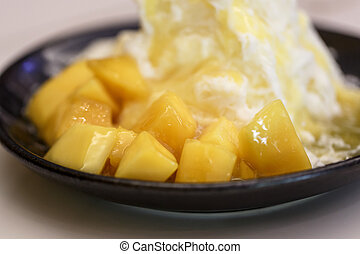 Pieces of mango and iceflake - Pieces of mango and caramel...