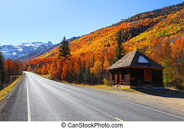 Million dollar high way - Scenic autumn landscape by Million...