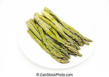 Asparagus - Asparagi cotti su piatto su sfondo bianco