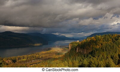 Columbia River Gorge Time Lapse - View of Vista House at...