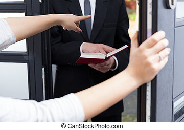 Ordering Jehovahs witness to go out - Woman ordering...