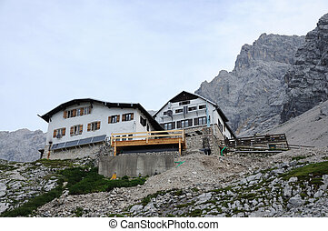 Alpine hut Knorrh�tte, Wetterstein Mountains, Germany