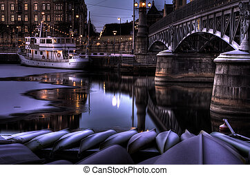 Winter night at the canal.