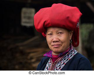rojo, Dao, mujer, en, Sapa, vietnam,