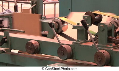 production of cardboard packaging - production of cardboard...