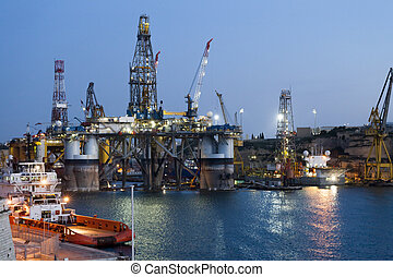 Oil rig - Renovation of an oil rig in the harbor in Malta