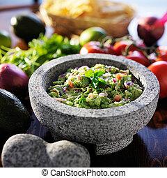 mexicano, guacamole, en, piedra, molcajete,