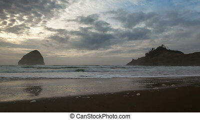 Time Lapse in Cape Kiwanda Oregon - Time Lapse Movie of...