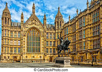 Richard I statue outside Palace of Westminster, Houses of...