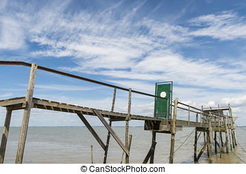 Jetty with door for fishing Gironde Medoc - Wooden jetty for...