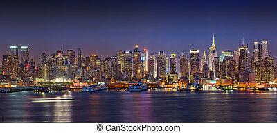 Panoramic view on Manhattan at night