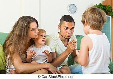 hogar, regaño, padres, niño