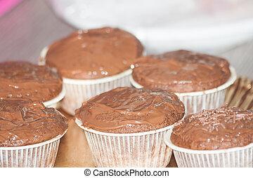bilder von cupcakes bunte cupcakes csp9878368 suchen sie stock fotos bilder fotografien. Black Bedroom Furniture Sets. Home Design Ideas