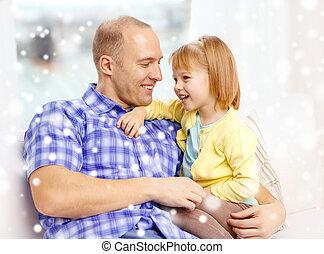 père, Sourire, fille, Étreindre, maison